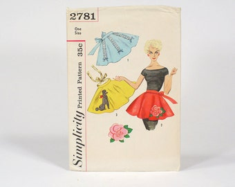 Vintage 50s Simplicity Printed UNCUT Half Apron Pattern with Transfer - One Size - No. 2781 With Original Sleeve