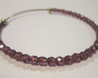 Lilac and lavender purple expandable beaded wire bangle bracelet