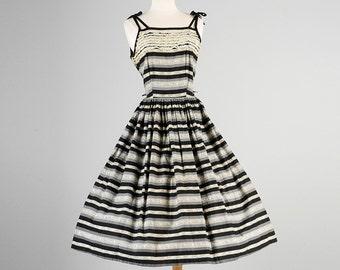Medium 50s Dress 1950s Dress Sleeveless Dress Sun Dress Summer Dress 50s Casual Dress 50s Striped Dress Lace Print Dress