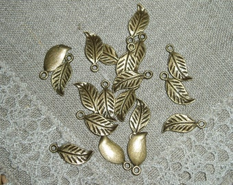 30 Pieces Antique Bronze Leaf Charms Pendants 17 x7 mm