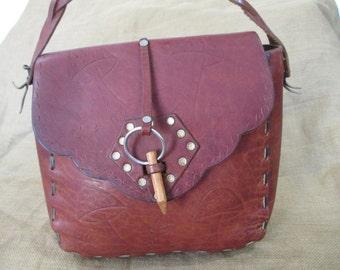 Vintage brown leather hand tooled stitched shoulder bag purse