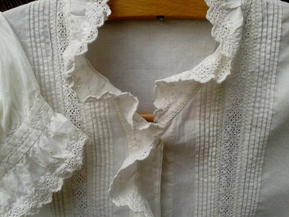Antique 1900s Lace Ruffled Blouse - French - Handmade- White Cotton- Monogram - Cutout Lace Plier - Long Sleeve - Women Shirt-  Medium large