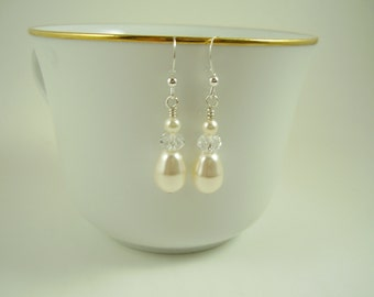 Teardrop Pearl Earrings,Wedding Earrings,Bridal Jewellery,Bridal Drop Earrings,Bridal Earrings,Bridal Party Earrings,Swarovski Earrings