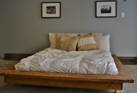 Floating rustic wood platform bed frame quilmes Rustic bed frames