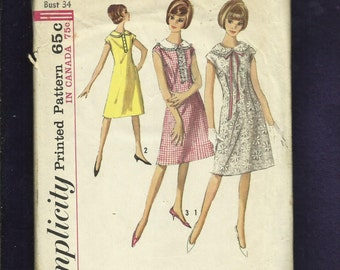 Vintage 1965  Simplicity 5870  A-Line Dresses with Large Peter Pan Collars Extended Shoulder Caps Size 14