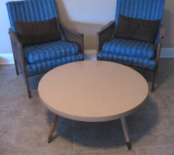 Sale Vintage Mid Century Modern Round Coffee Table By