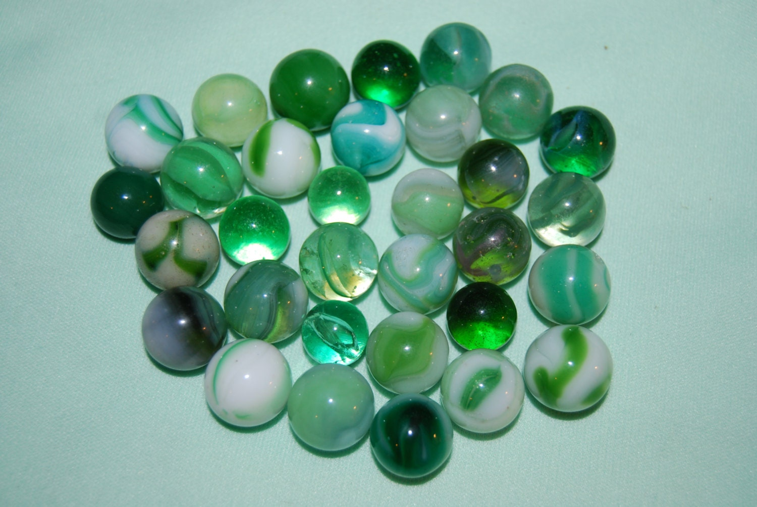 Green Glass Marble : Old vintage glass marbles lot green