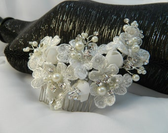 Lace Flowers with Pearls and Rhinestone Bridal Comb