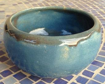 Small Decorative Ceramic Pot (Blue, Gray rim)