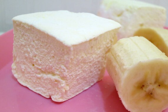 Banana marshmallows 1 dozen gourmet homemade marshmallows for Homemade gourmet marshmallows recipe