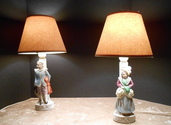 Vintage Porcelain Colonial Couple Lamps Bedroom Lamps With