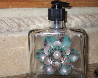 Glass Soap Dispenser, Kitchen Soap Dispenser, Bathroom Soap Dispenser, Soap Pump with Metal Design.