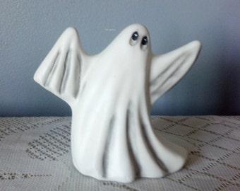 Ceramic Swaying Ghost