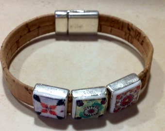 Cork bracelet with replica of Portuguese tiles