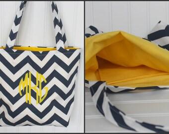 Monogrammed Chevron Tote Bag - Bridesmaid Gift  - Beach Bag - Teachers Gift - Market Bag - Diaper Bag - Personlized Bag - Gift Bag