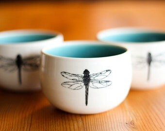 Made to Order : Set of 4 small porcelain bowls with dragonfly image