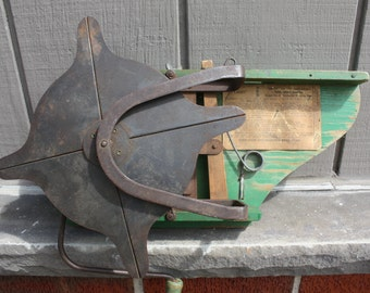 Vintage 3 Gear Brand  Cyclone Hand Crank Seed Spreader, Sower