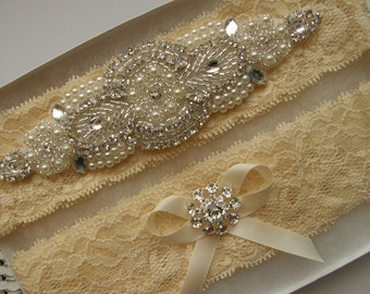 SALE / Garter / Crystal Rhinestone & Pearl Garter / Wedding Garters / Bridal Garter Set / Vintage Inspired Lace Garter /Champagne Nude Lace