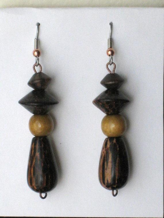 Wood  Dangle earrings - Handmade chandelier - Wood beads