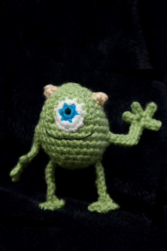 Amigurumi Monsters Inc : Mike Wazowski (Monsters Inc) Amigurumi Crochet Pattern ...