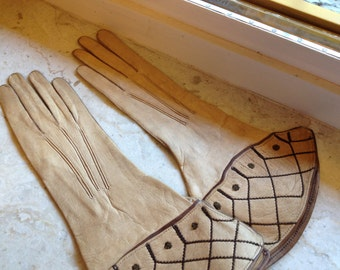 Victorian early '900 kid leather tan color gloves