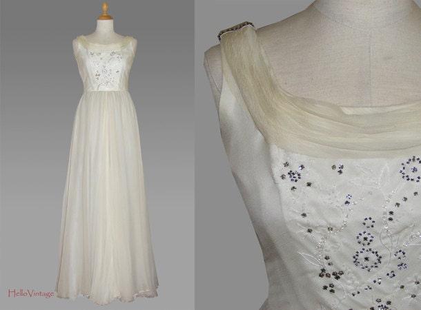 Classic Wedding Dress Satin: Silk Vintage Wedding Dress Small 70s Wedding Gown By