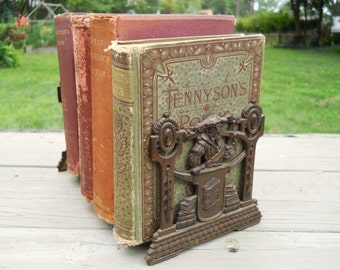 Vintage 1920's Jugendstil JUDD Co. 9861 Swordsman Telescoping Bronze Bookends