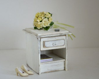 1:6 scale furniture_nightstand_(Blythe, Momoko, Fashion Royalty, BJD) playscale bedside table, dollhouse bedroom, diorama furniture