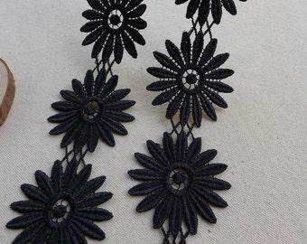 Black Venise Lace Trim, Gerbera Daisy Lace Appliqué, Black Gerbera Flower, Jewelry or Costume design