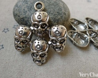 10 pcs of Antique Silver Four Skull Connectors Pendants 31x38mm A6076