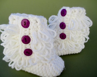 Baby Girl Ugg inspired baby booties, booties, crochet booties, newborn booties, baby girl booties, Custom shoes, crochet baby boots,