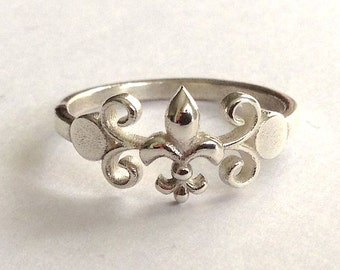Unique Angeline Quinn Stering Silver Single Fleur De Lis Ring