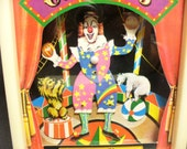 1980 Vintage Dancing Clown Music Box Perfect Condition!