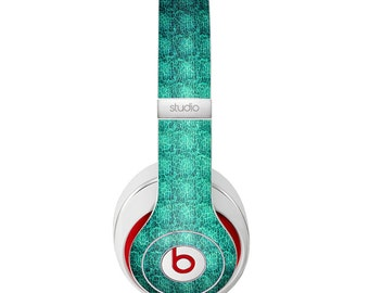 The Green Wavy Abstract Pattern Skin for the Beats by Dre Headphones (All Versions Available)