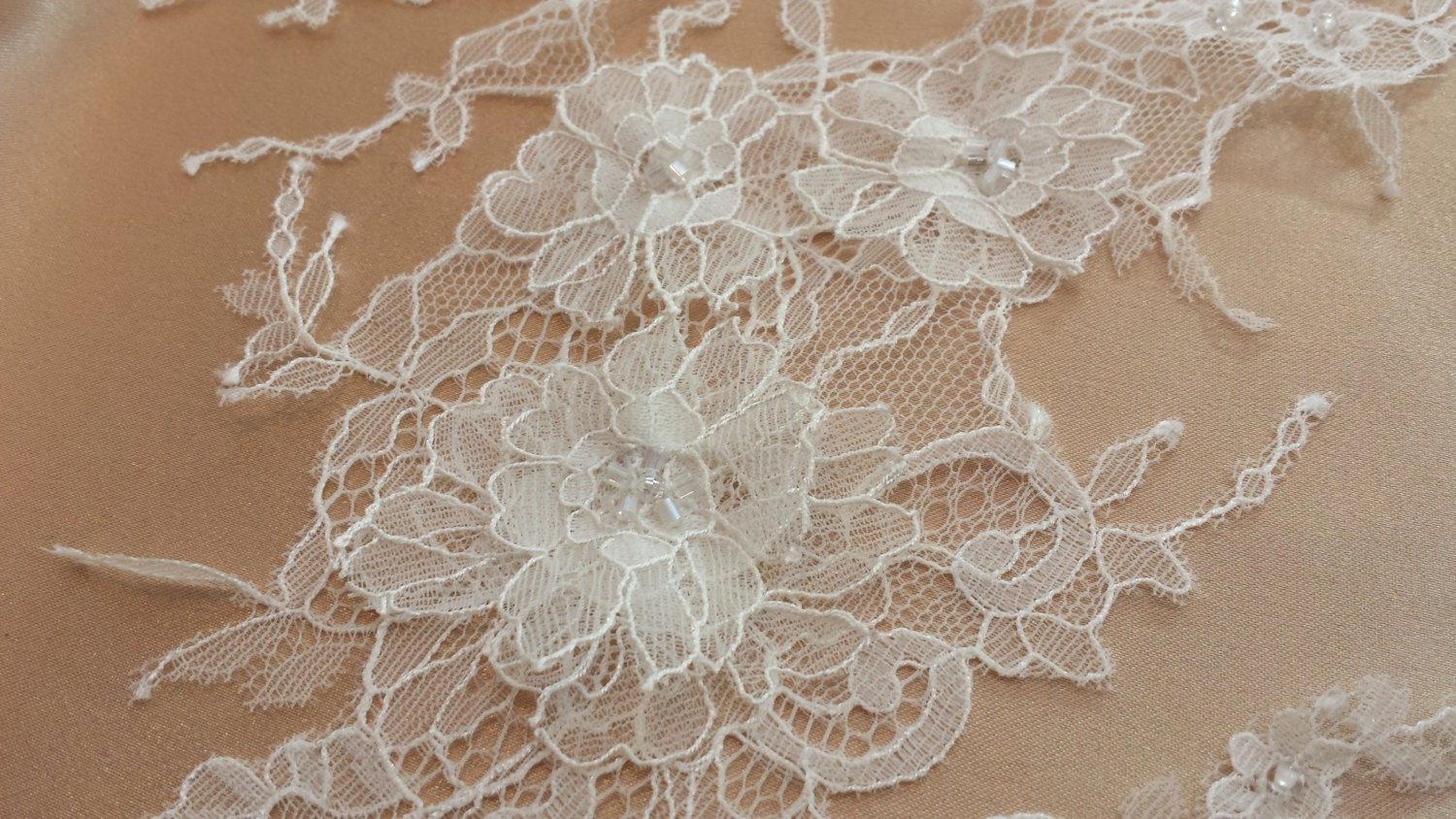 french chantilly lace applique off white 3d light bridal lace. Black Bedroom Furniture Sets. Home Design Ideas
