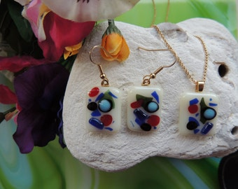 fused glass necklace, jewelry set, red blue glass pendant necklace, blue green glass pendant earrings, glass jewelry set,fused glass pendant