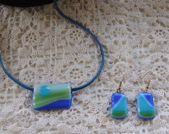 green blue fused glass pendant necklace and earrings, jewelry set,blue fused glass necklace,green glass necklace,gift for her,unique jewelry