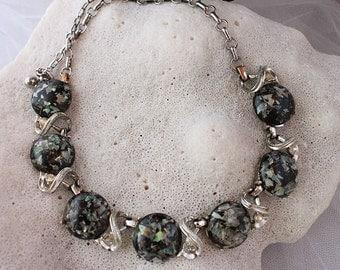 VINTAGE CORO CONFETTI Cabochon Necklace,Beautiful condition.