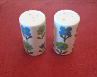 Vintage Made in Japan Flower Salt and Pepper Shakers