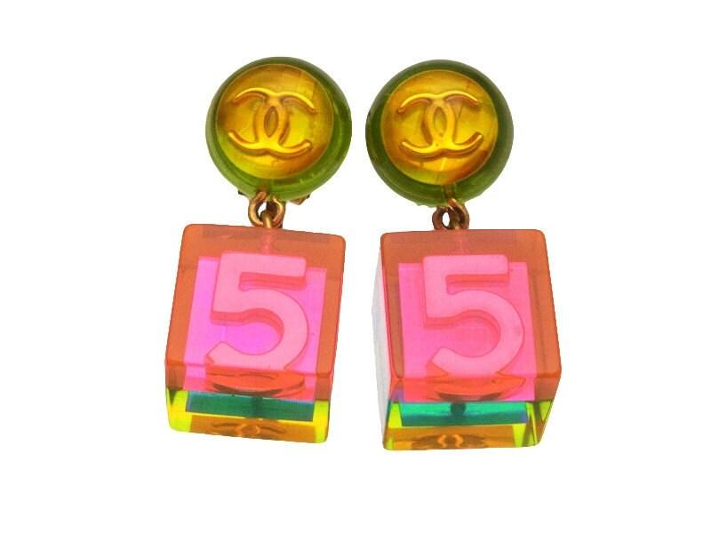 Authentic Vintage Chanel Cc Logo No 5 Pink Cube Dangle Lucite