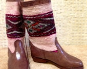 Handcrafted Moroccan White and Purple Kilim Boot in Brown Leather - Size 37