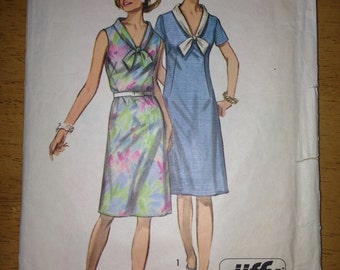 Vintage 1970's Dress Pattern (size 16/38 bust) Simplicity 9330