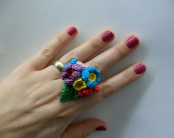 Crocheted ring flowers