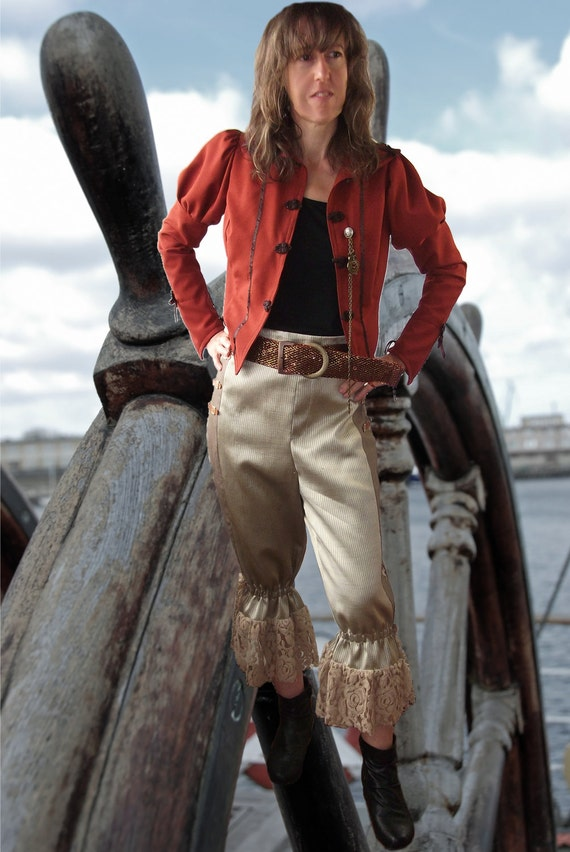 Victorian costume. pirate pants or bloomers. victorian  steampunk bloomers. nautical pirate pants. pirate breeches