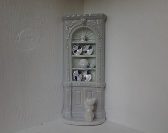 porcelain corner cabinet cat and mouse, china cabinet figurine