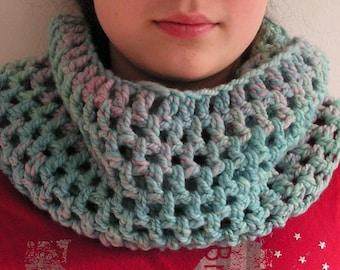 Handcrocheted cowl with handspun yarn,pink, blue, green,  merinos wool