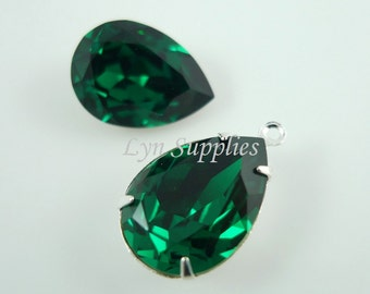 4320 EMERALD 18x13mm 2pcs Swarovski Crystal Pear Teardrop Optional Sterling Silver Plated Pendant Setting