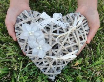 Porte Alliances Coeur de rotin fleur  soie mariage Ring bearer Heart  rattan flower silk wedding
