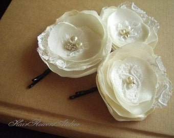 3 Ivory Hair Pins Ivory Hair Flowers Girl Ivory Hair Pins White Lace Pearls Rhinestones Ivory Bridal Hair Slides Wedding Hair Accessories