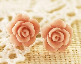 Rose Studs old rose tm227